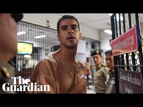 Refugee footballer Hakeem al-Araibi arrives at court in Thailand Mp3