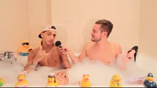 Amine Mojito dans le bain de Jeremstar - INTERVIEW thumbnail