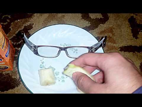 Removing Scratches From Eyeglasses With Banana + Baking Soda