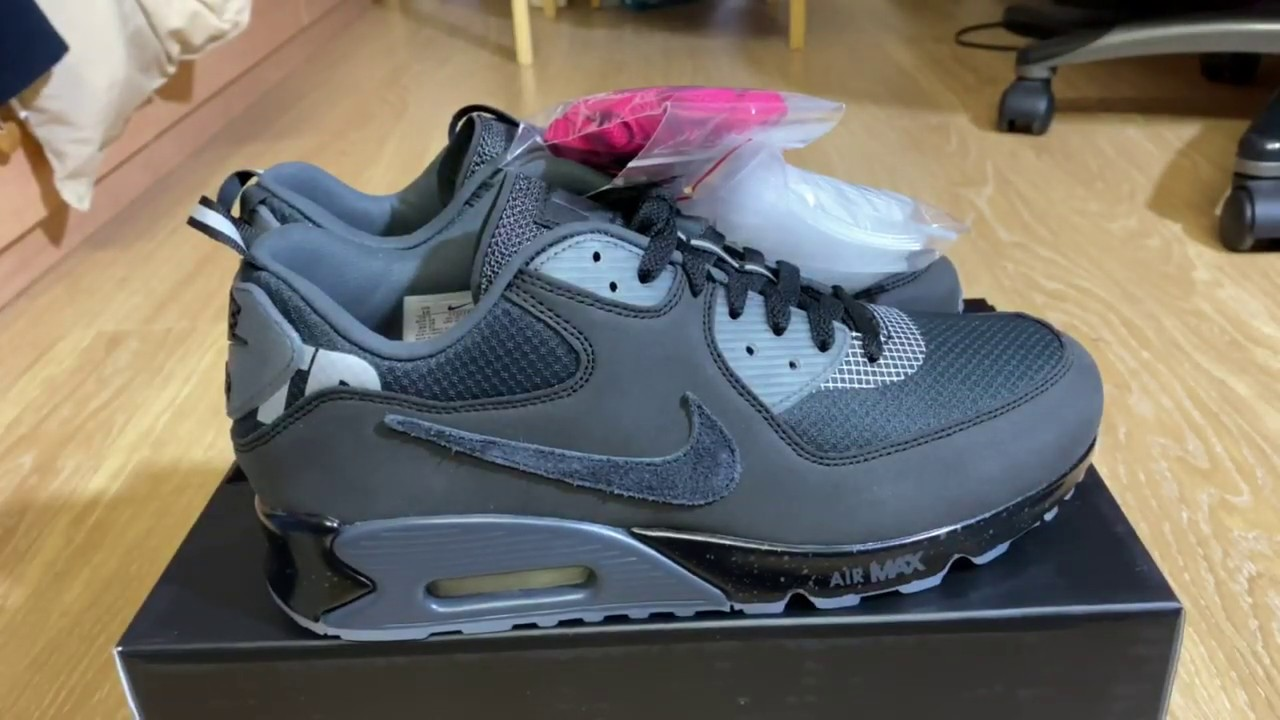 Undefeated Air Max 90 Anthracite Nike Review