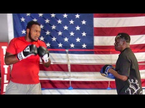 Viddal Riley padwork with new trainer Jeff Mayweather
