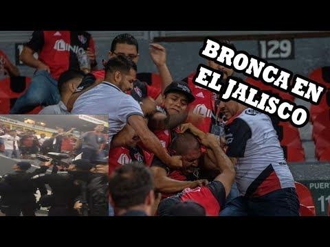 Bronca en el Estadio Jalisco | Policia vs Barra