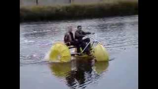 водный велосипед , веломаран(веломаран ,новинка сезона,испытания. Украина, если интересно звоните.. 067 609 96 65...., 2013-10-14T17:44:59.000Z)