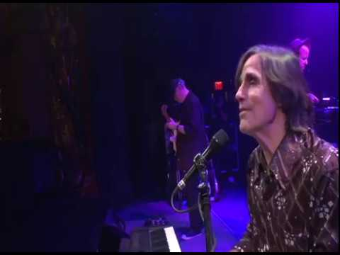 """Jackson Browne - """"Fountain Of Sorrow"""" - OFFICIAL Clip from soundcheck at The Beacon Theatre."""