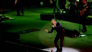 Morrissey - How Can Anybody Possibly Know How I Feel (live in Manchester) 2005 [HD]