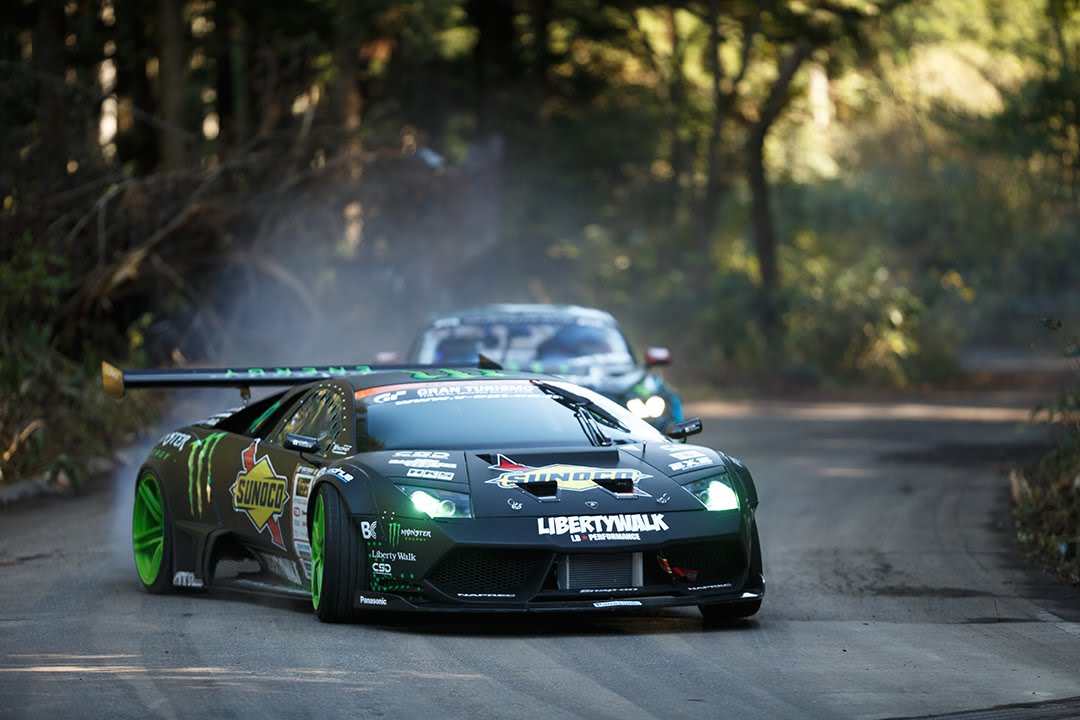Adrenalina ed Auto #BATTLEDRIFT - Mustang by Vaughn vs.  Lamborghini by Daigo
