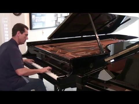 הוטל קליפורניה על פסנתר