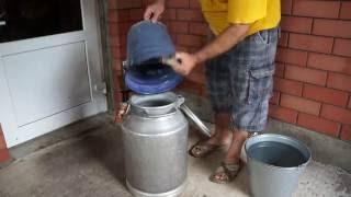 Как сделать брагу \ How to make moonshine(Брага для самогона Состав вода теплая (30 градус) 38 литров (Заливаем не сразу сначала растворяем сахар) 8 кг..., 2016-06-18T04:49:17.000Z)