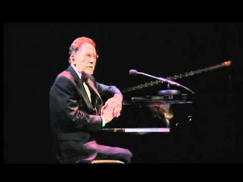 Tom Lehrer - Poisoning Pigeons In The Park (live, 1998).