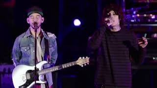 Linkin Park ft Oliver Sykes BMTH Crawling 1080p
