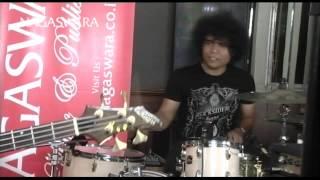 Video Zivilia - Aishiteru 2 ( Live In Lounge NS ) - Official Music Video download MP3, 3GP, MP4, WEBM, AVI, FLV Desember 2017