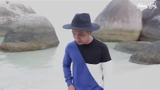 Download lagu PAMER BOJO Cover Bahasa Indonesia  by  Tommy Boly _  original song Didi Kempot