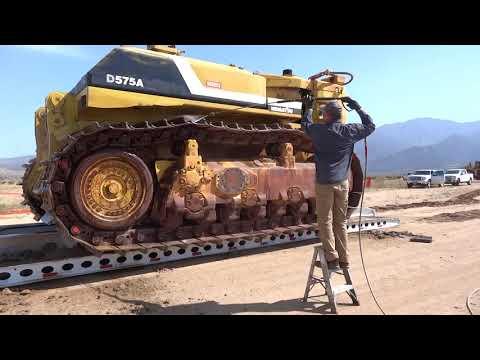 LOADING KOMATSU D575 MAIN TRACTOR 3