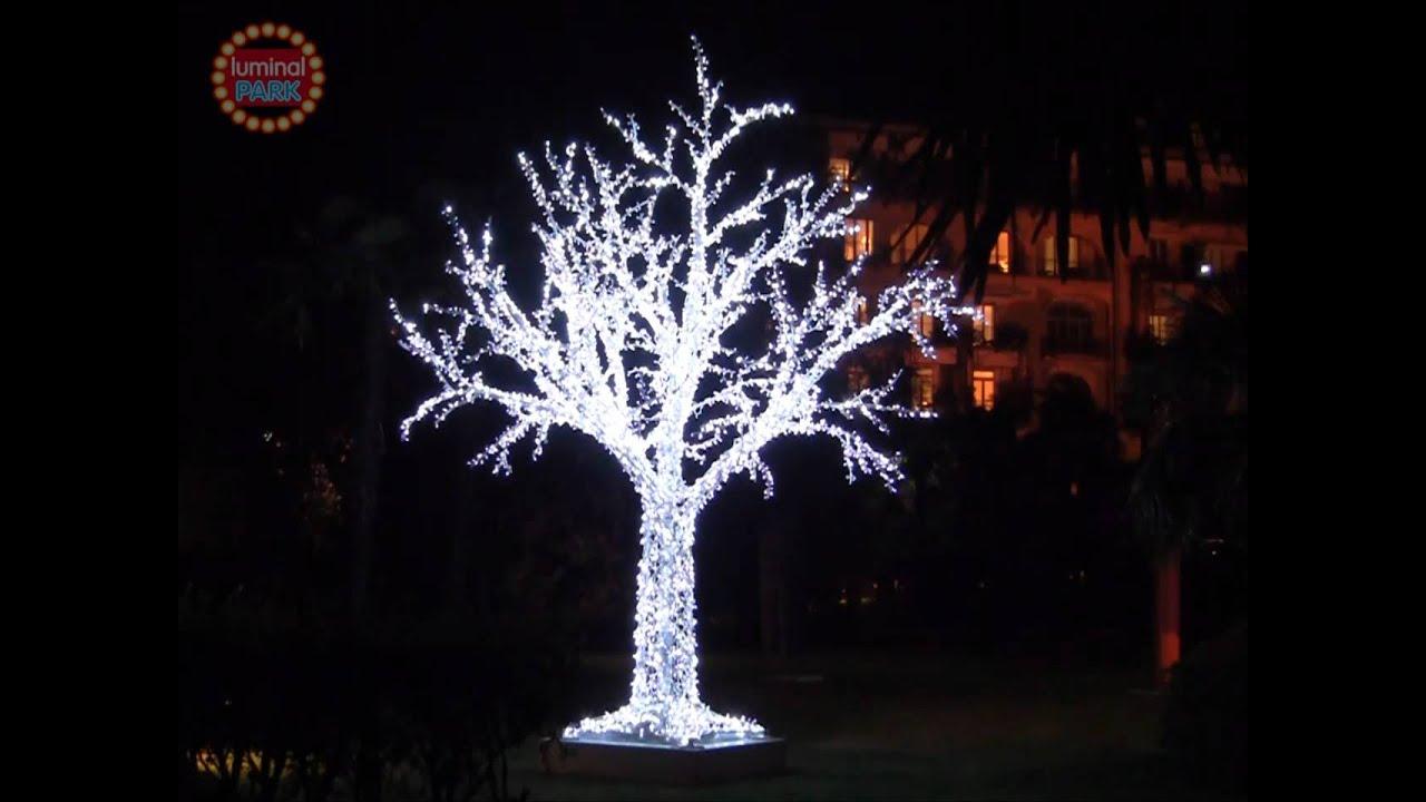 Villa castagnola lugano svizzera albero da 7 m led for Salotti bianchi