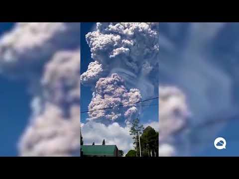 Sinabung volcano, Sumatra. Indonesia.