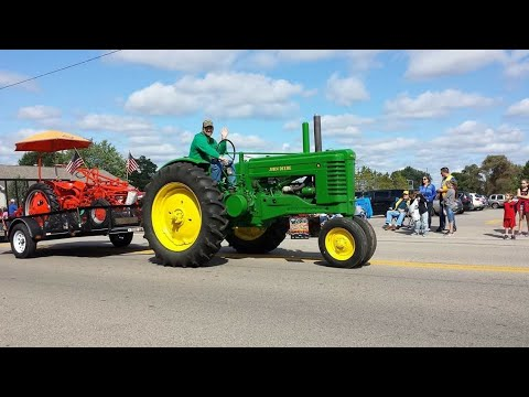 Antique Tractors In The 2017 Lena Dairyfest Parade & Tractor Pulls