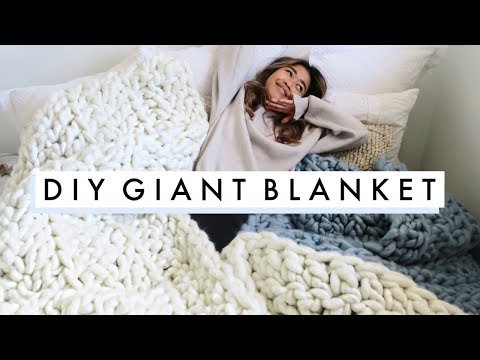 easy DIY GIANT KNIT BLANKET |  diy holiday gifts