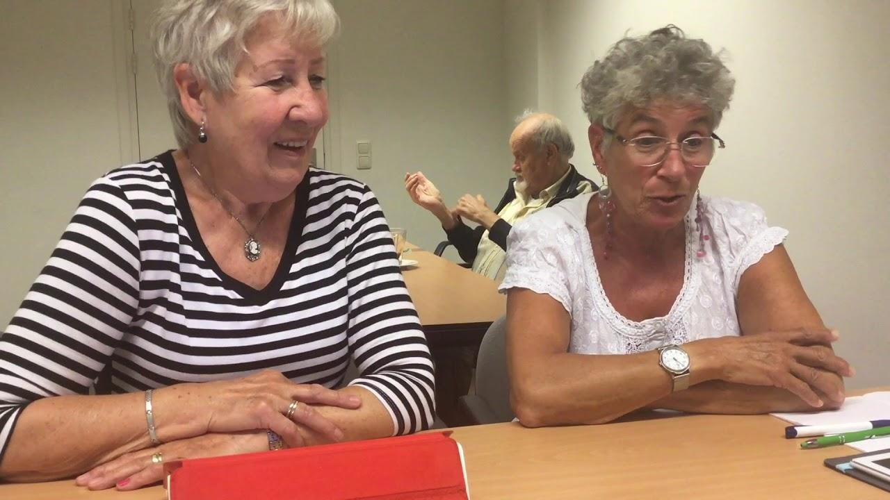 Senioren aan de tablet