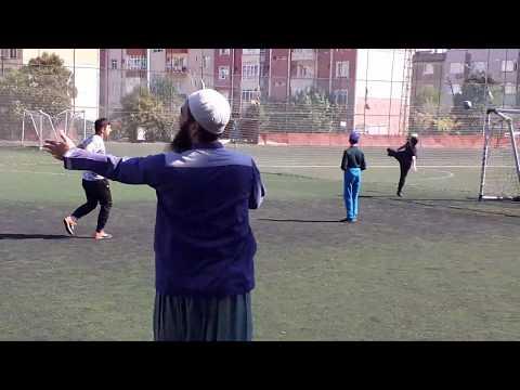 في الملعب2 ( مدارس محمود أفندي) اسطنبول