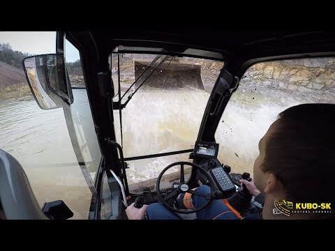 Liebherr A918 Wheeled Excavator Washing - Cab View