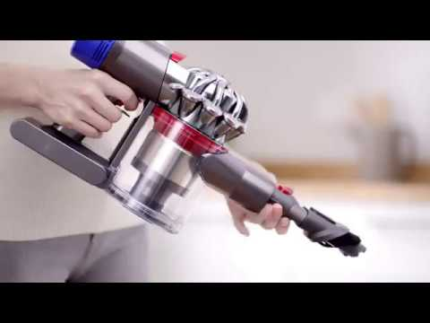 dyson aspirateur balai v8 absolute but youtube. Black Bedroom Furniture Sets. Home Design Ideas