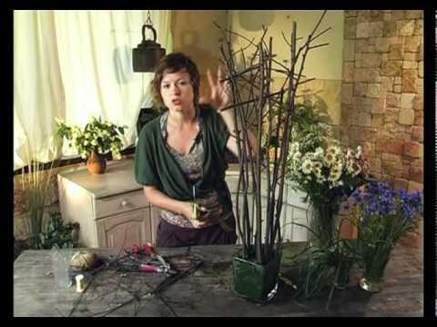Ботаника. Композиция в стеклянной вазе