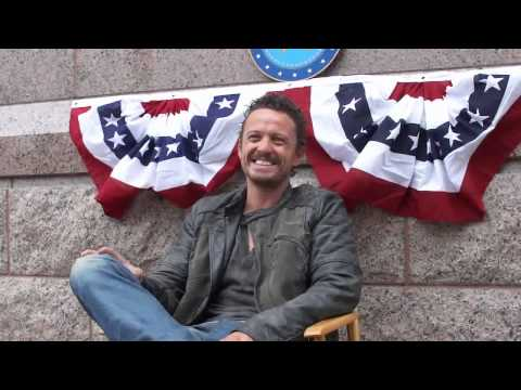 Revolution OnSet : David Lyons on Monroe's Sacrifice for His Son