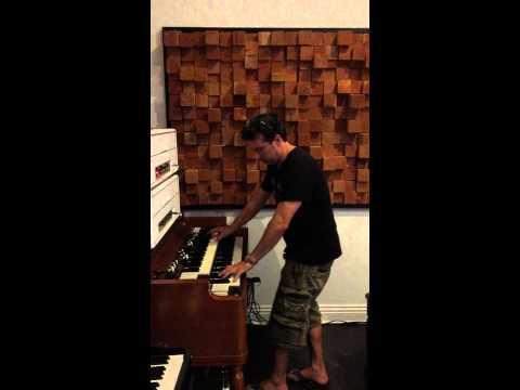Derek Sherinian jamming on Hammond B3