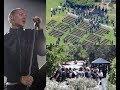 Sedihnya!!! Upacara Pemakaman Chester Bennington Seperti Nonton Konser