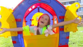 Arina, Max and Mama build PlayHouse for Children