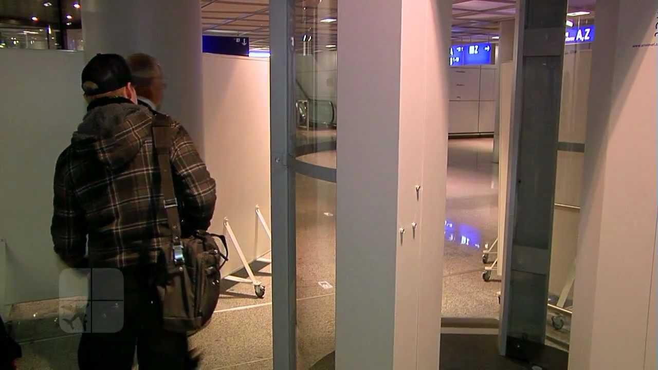 Körperscanner Am Frankfurter Flughafen Youtube