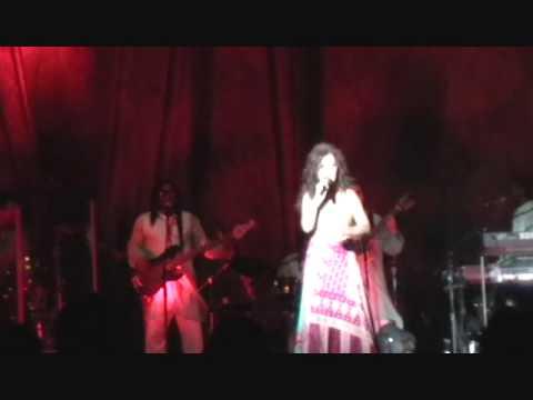 Dis-Moi - Chantal Chamandy live