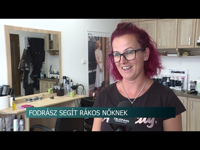 Fodrász segít rákos nőknek - hajat vág, hogy a kemoterápián átesettek parókát kaphassanak