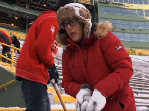 Packers Hire Fans to Shovel Lambeau Field Snow