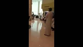بالفيديو.. الخطوط السعودية تبتكر طريقة فريدة للترفيه عن عملائها