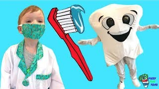 Learning Colors for Kids with Fizzy Kid Brushing a Giant Tooth
