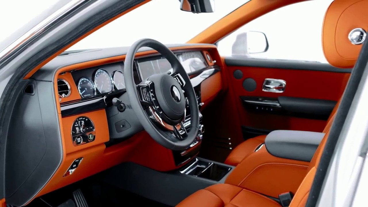 2018 rolls royce phantom viii interior