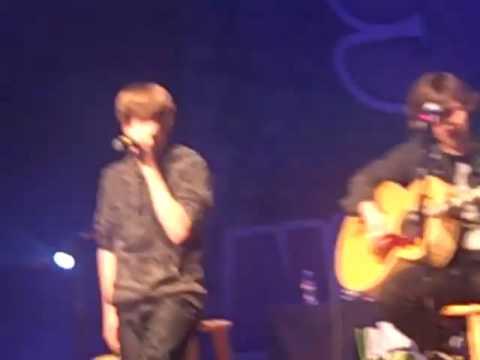 Love Me (Acoustic) - Justin Bieber