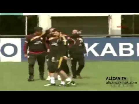 Arda Turan vs Caner Erkin ! Kavga