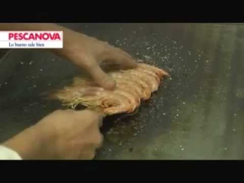 C mo cocinar langostinos a la plancha youtube for Como cocinar salmon plancha