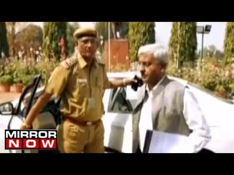 Police Reaches Delhi CM's Residence, Kejriwal To Be Quizzed By Top Officials