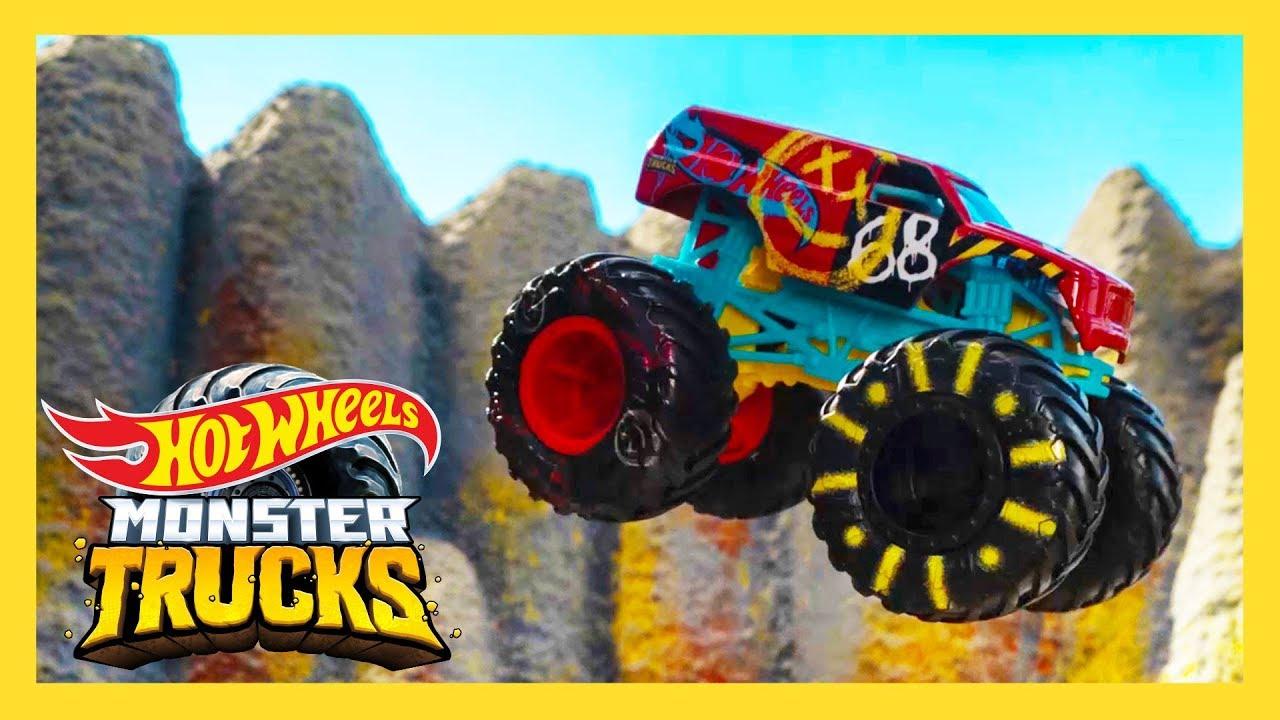 Epic Island Hot Wheels Race Course Monster Trucks Island Hot Wheels Youtube