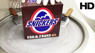 اكلات الشوارع حول العالم - ايسكريم على الصاج ببيضة السنيكرس -  snickers egg