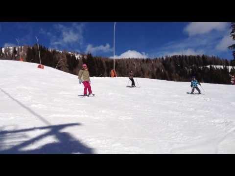 Zsuzsi 1st time snowboarding
