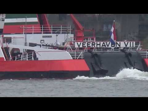 VEERHAVEN VII  `WALRUS`  Pushtow, six cargo barges  Inland