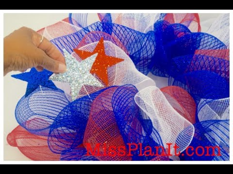 Diy Tutorial Geo Mesh Fourth Of July Wreath For Under 15