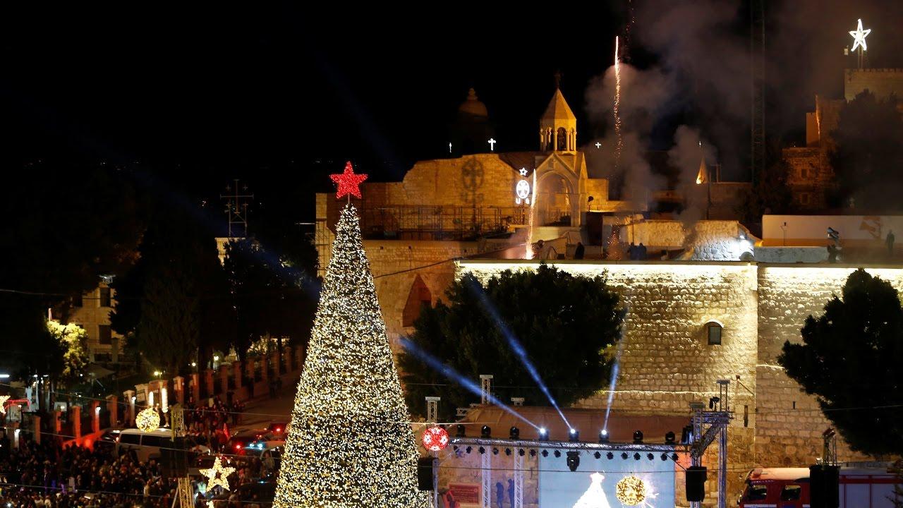 Christmas tree in Bethlehem lights up - YouTube