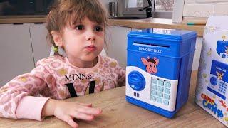 Ева покупает новые игрушки для детей. Toys sale in shop