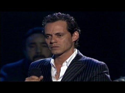 Marc Anthony canta 'Y cómo es él' y Abrázame