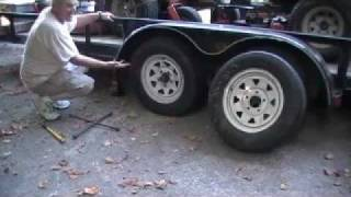 How to change a trailer tire safely